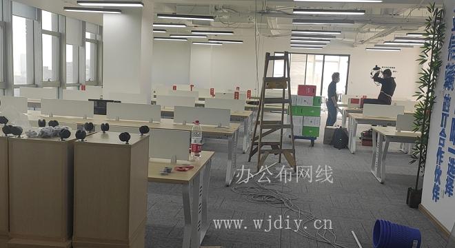 深圳粵興五道辦公室綜合布線 南山區平山一路弱電布線公司.png