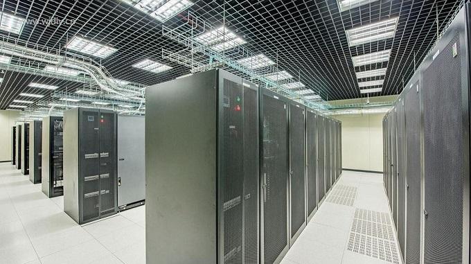 大數據中心機房都有什么設備.jpg
